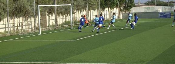 La suerte acompaña al Málaga CF y empata con el Cadete Autonómico de La Mojonera CF